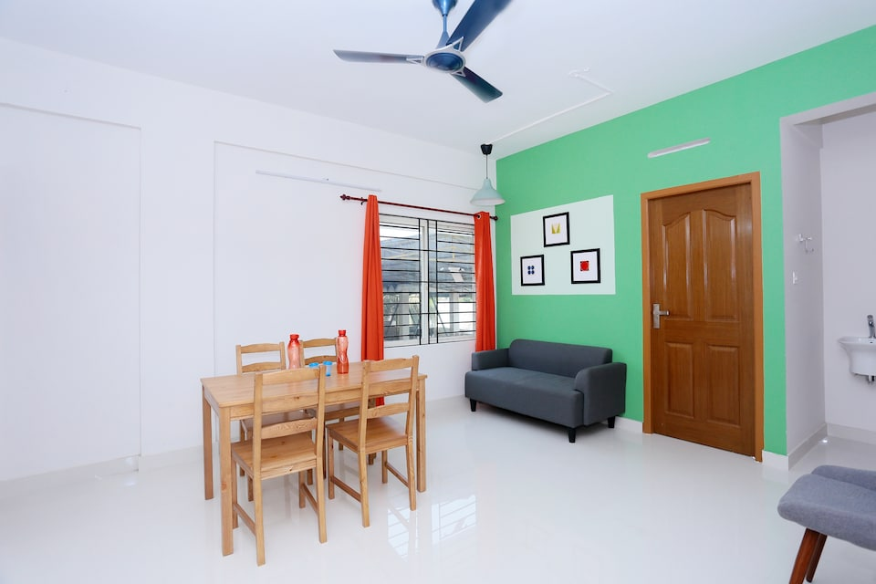 OYO Home 30337 Modern Contemporary Stay Rajamandiram