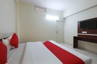 OYO 30348  Nirmala Palace
