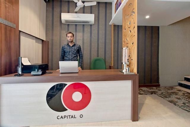 Capital O 30351 S B Excellency
