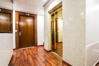 Capital O 30363 Gayatri Residency