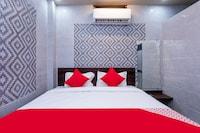 OYO 30371 Shiv Shyam Palace Saver