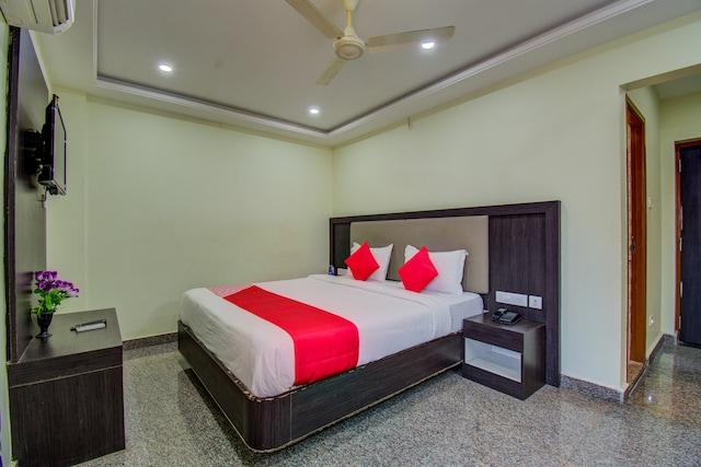 OYO 30437 Hotel Msm Inn