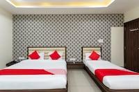 OYO 30442 Hotel Aatithya Deluxe