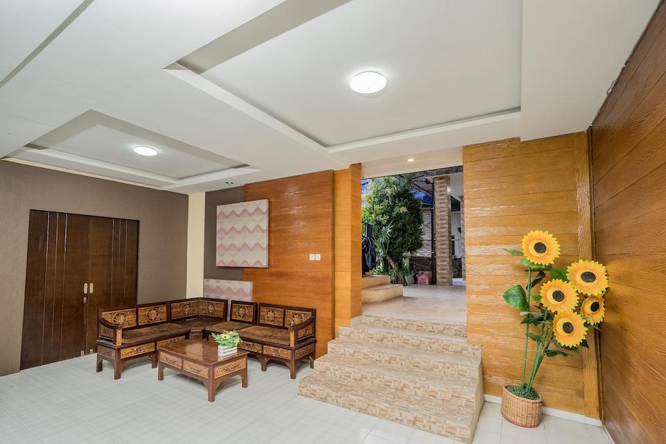 OYO 564 Bunga Matahari Guest House And Hotel, Batu, Batu