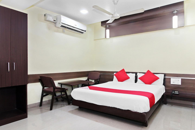 OYO 30537 Hotel Megharaj -1