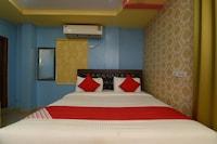OYO 30568 B Square Inn