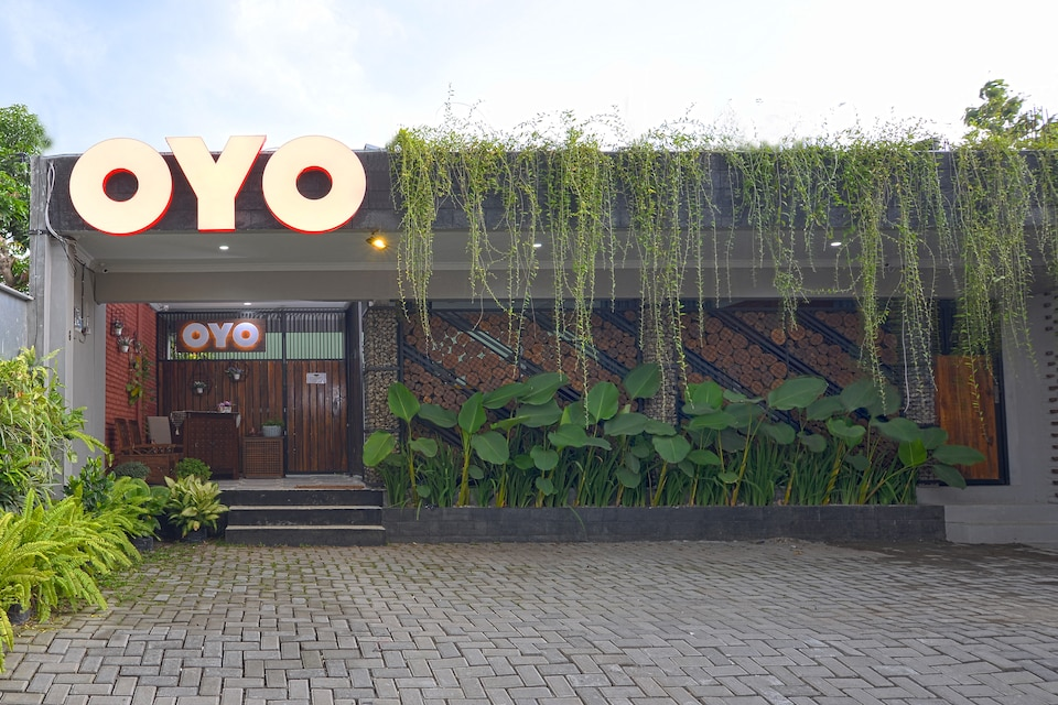 OYO 583 Royal Gejayan Homestay