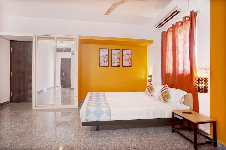 OYO 30660 Elegant 1BHK Bhubaneswar Station