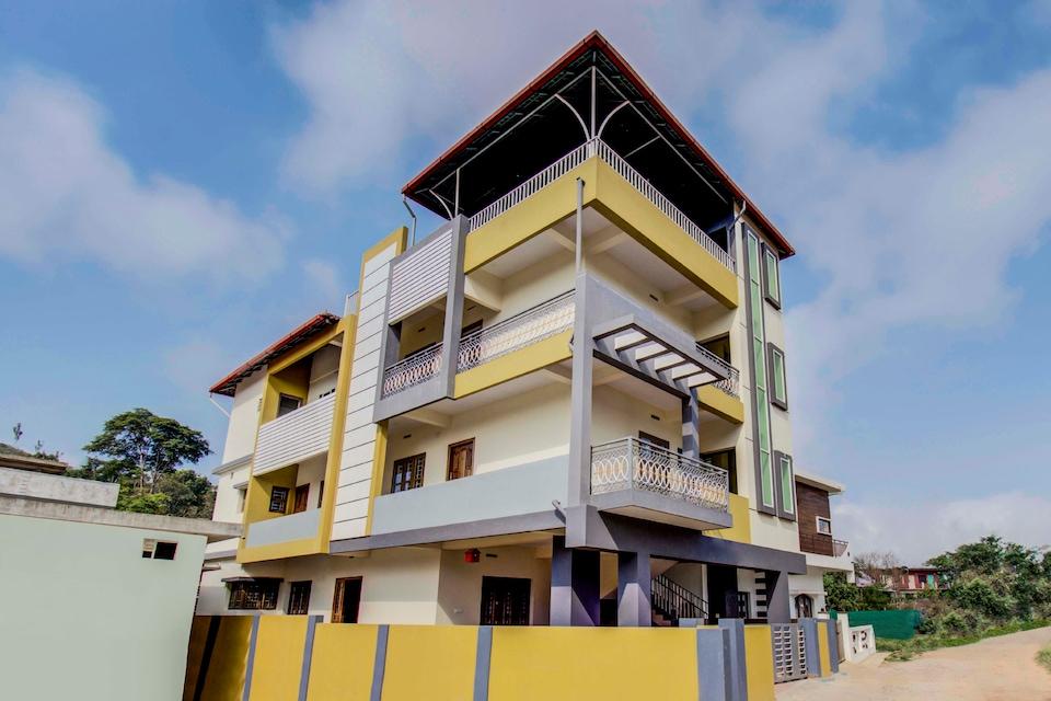 OYO Home 30661 Paradise Stay Madikeri