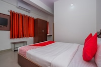 OYO 30686 G K Residency