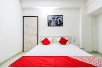 OYO 30698 Hari Om Guest House Saver