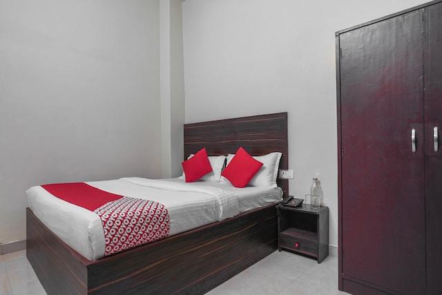 OYO Flagship 30709 Hotel Royal Pavilion Bhelupur