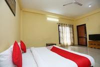 OYO 30739 Acorn Rooms