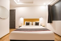 OYO Townhouse 262 Kailash Enclave