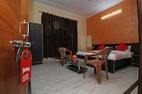OYO 30751 Everest Inn