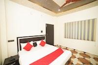 OYO 30841 Royal Hotel