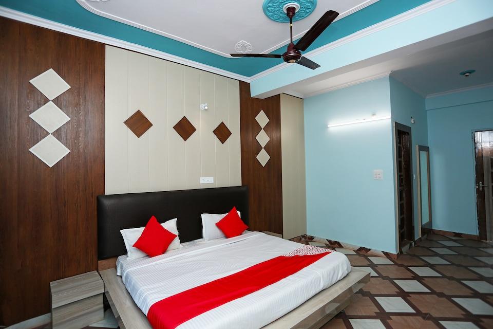 OYO 30845 Hotel Welcome