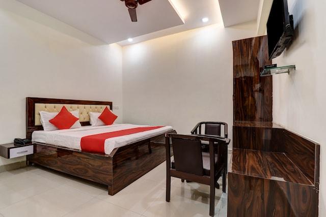 OYO 30849 Hotel Natraj INN Saver