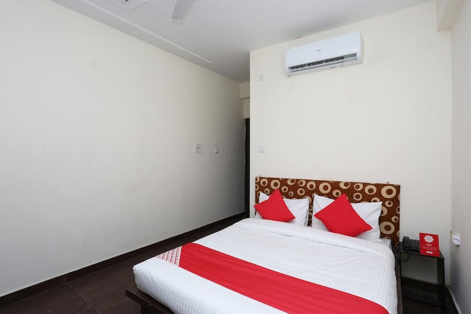 OYO 30850 Hotel Hira
