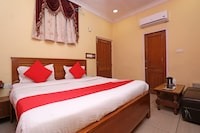 OYO 30858 Hotel SP ROOMS