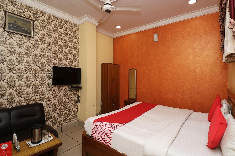 OYO 30858 Hotel Sp International -1