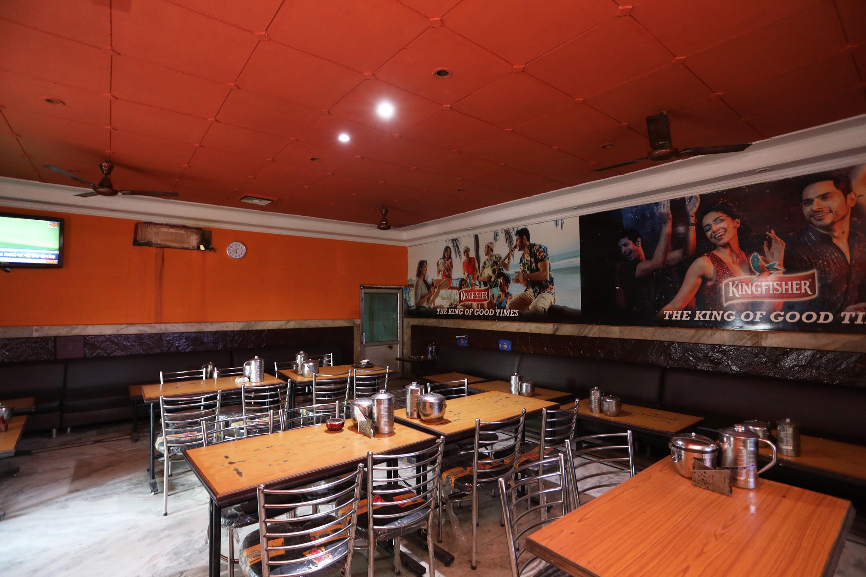OYO 30867 Hotel Tourists Bar & Resturant