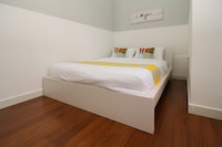 OYO Home 844 Comfortable 1BR Megan Ambassy