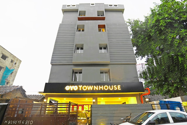 OYO Townhouse 195 Salt Lake