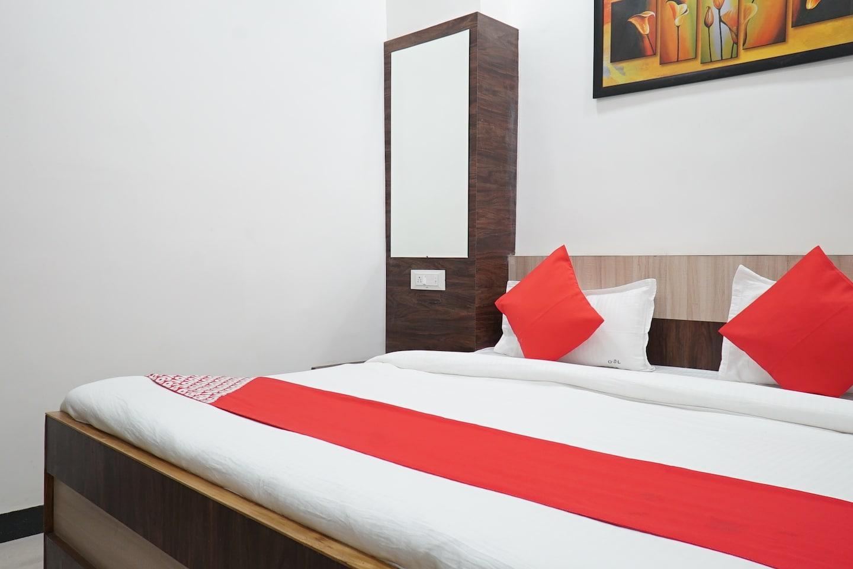 OYO 30952 Hotel Om Sai Leela -1