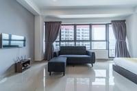 OYO Home 858 Cosy 1BR Arte Plus