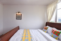 OYO Home 861 Elegant 1BR Holiday Place
