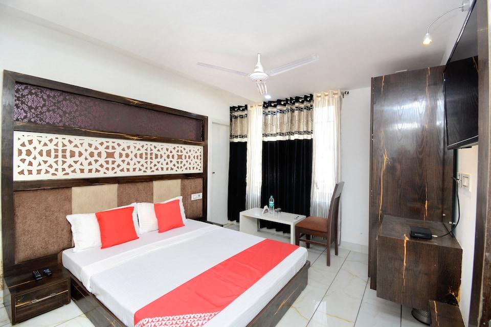 OYO 30999 Hotel Vaishno