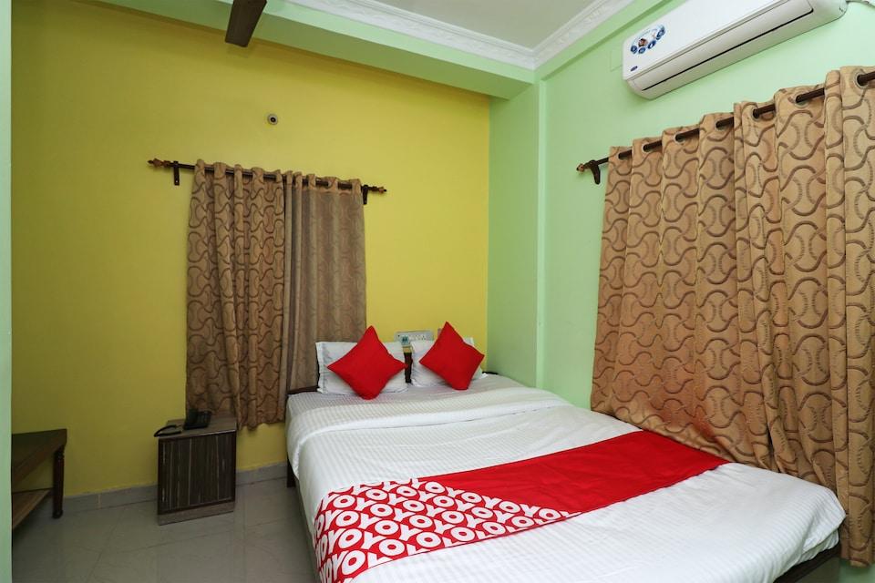 OYO 31004 Sadhna Inn