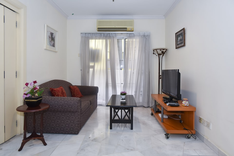 OYO Home 865 Premium 2BR Holiday Place