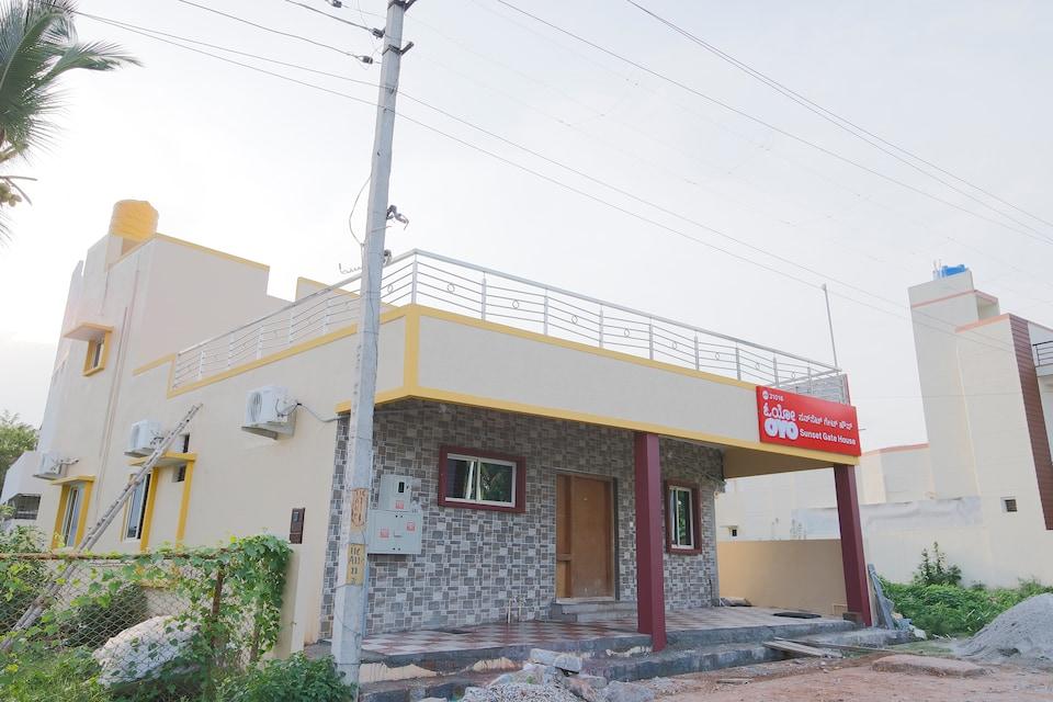 OYO 31016 Sunset Gatehouse