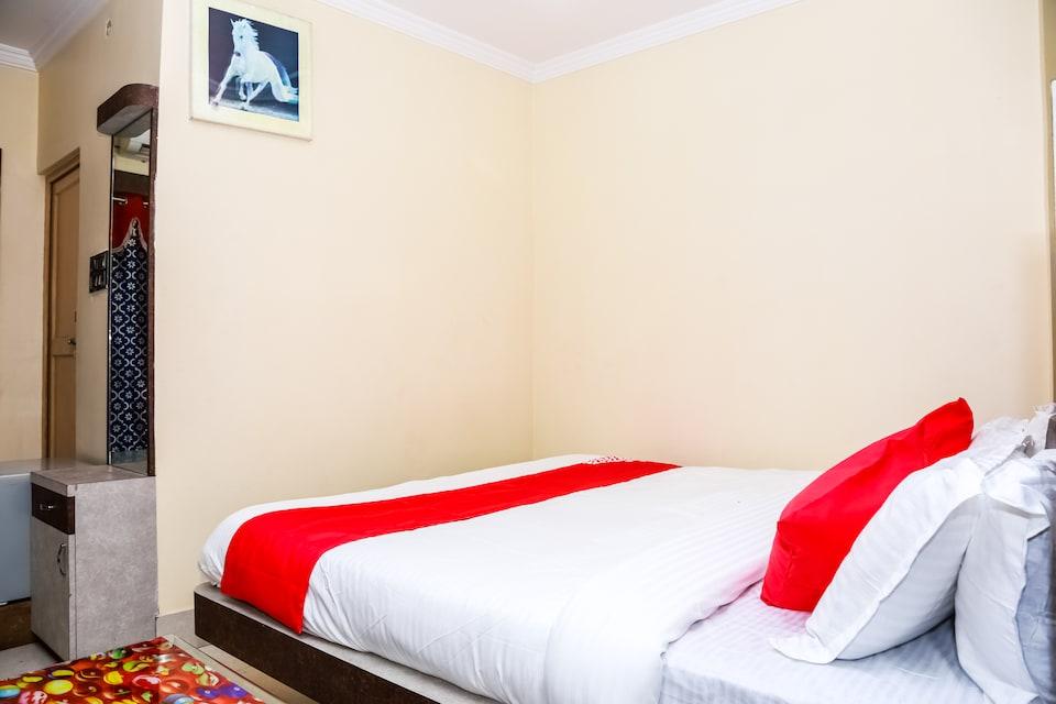 OYO 31017 Hotel Nirmala