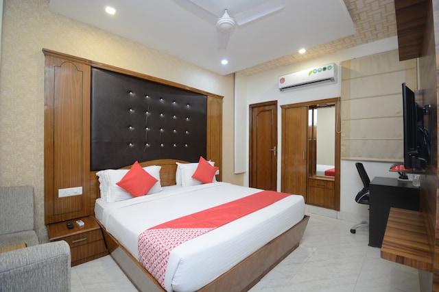OYO 31114 Hotel Pal Regency