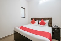 OYO Flagship 31119 RV Residency Block G Raja Puri
