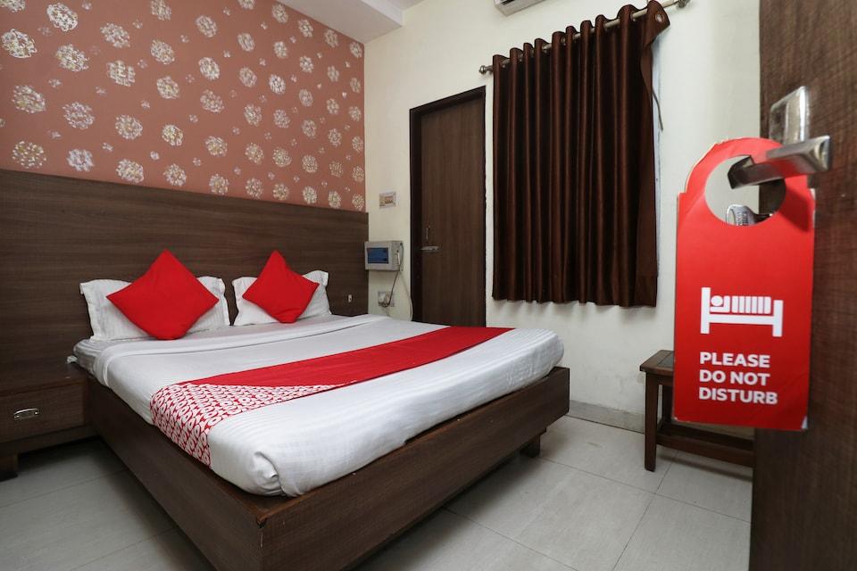 OYO 33350 Hotel Umang