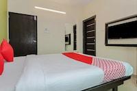 OYO 33373 Nisha Residency