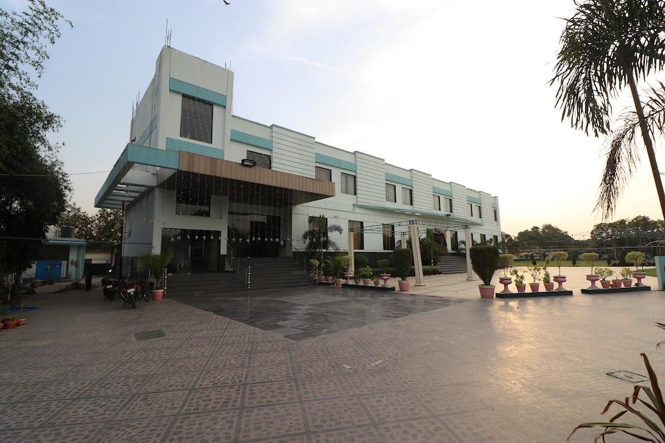 OYO 33387 Laxmi Lawn And Resort