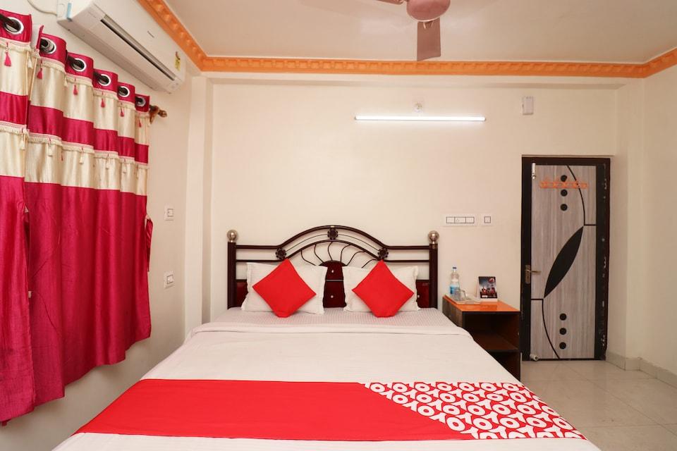 OYO 33393 Shantiniketan Guest House