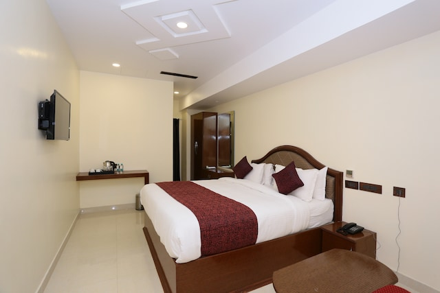 Capital O 33420 Hotel Ramraj Regency Deluxe