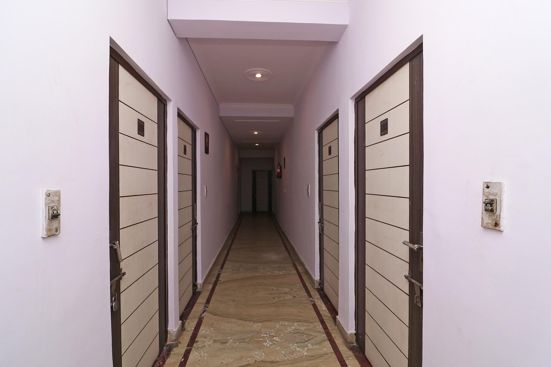 OYO 33431 Hotel Ekta Residency