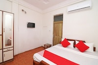 OYO 33443 Gateway Inn Hotel