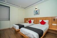 Capital O 33450 Hotel La Prosperite