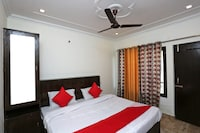 OYO 33459 Hotel Welcome