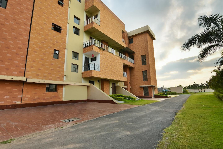 OYO Home 33473 Exotic Villa Vedic Village -1