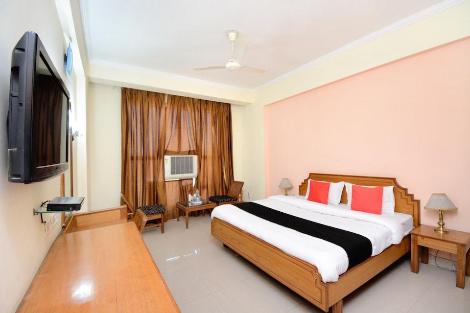 Capital O 33480 Hotel Amsun Pride
