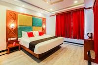 Capital O 33483 Hotel Chembarathy Garden Deluxe